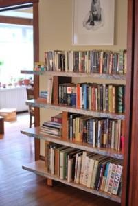Easy Bookshelf