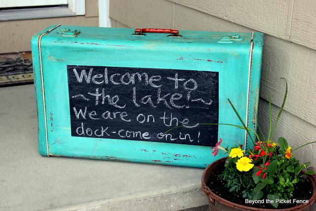 chalk-board-suitcase2