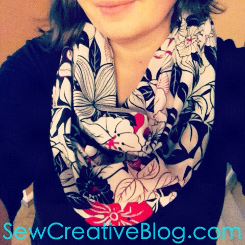 Infinity-Scarf-Tutorial-From-Sew-Creative-Blog-Step-by-Step-Instructions-with-Tons-of-Photos-Great-Beginner-Sewing-Project1