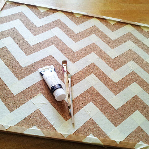 DIY Chevron Corkboard