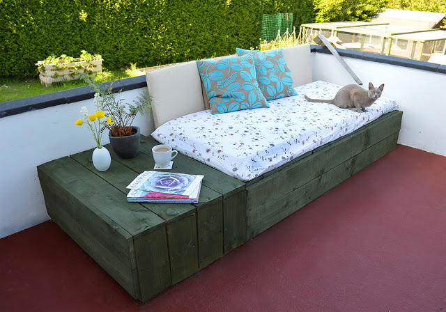 pallet-day-bed