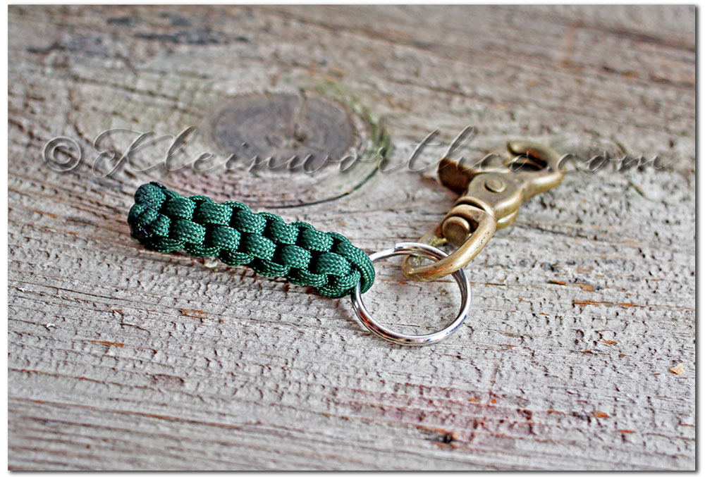 DIY Paracord Survival Key-chain