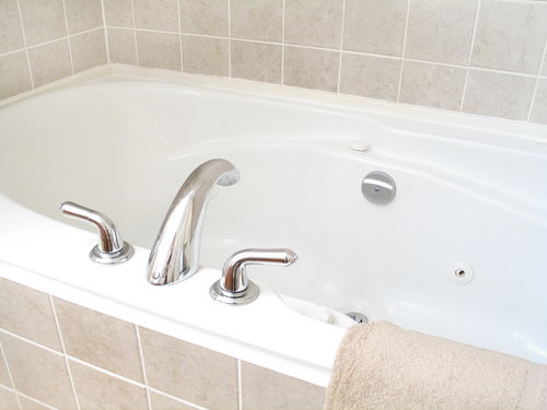 DIY Bathtub Cleaning