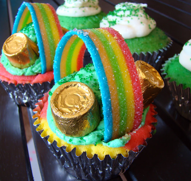 DIY Rainbow Cupcakes