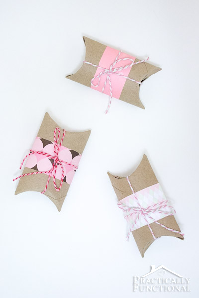 DIY-Valentines-Pillow-Boxes-20